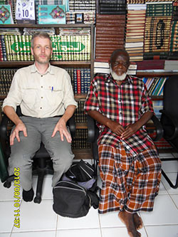 Shaykh Ali Jumaa Mayunga (right), Qur'an translator in Dar es Salaam